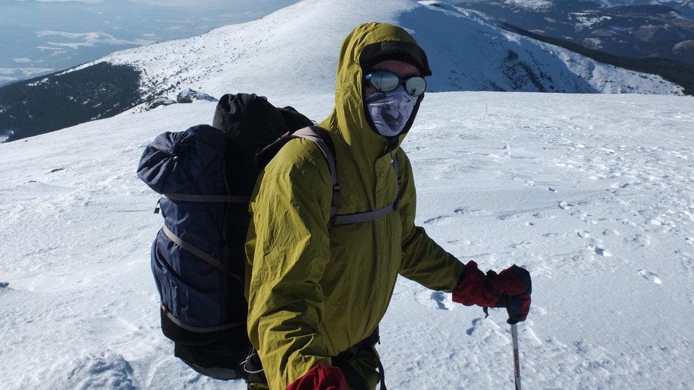 Ogrzewanie dłoni zimą – rękawice w góry