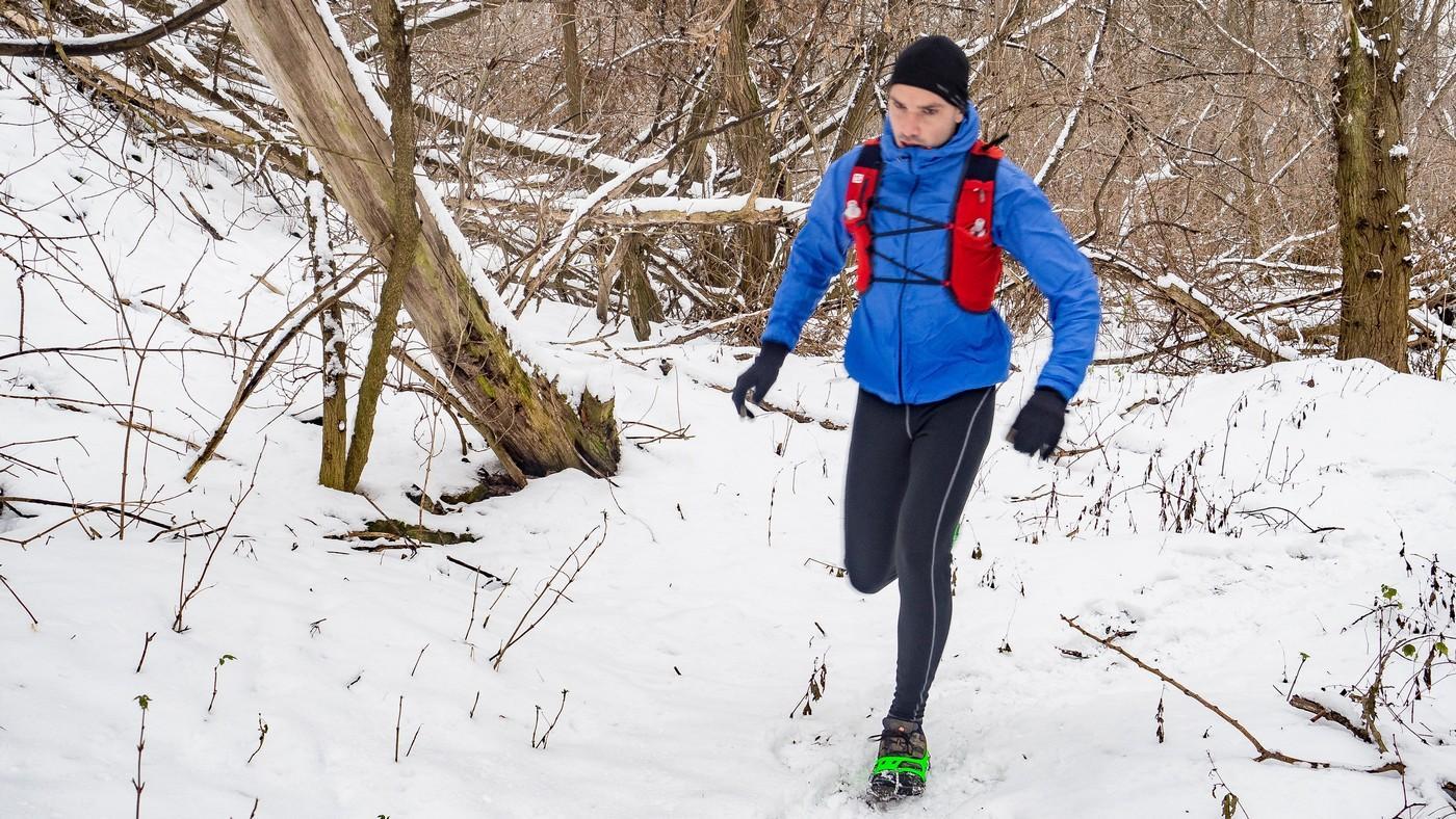 Raczki turystyczne – lekki patent na zimowe szlaki