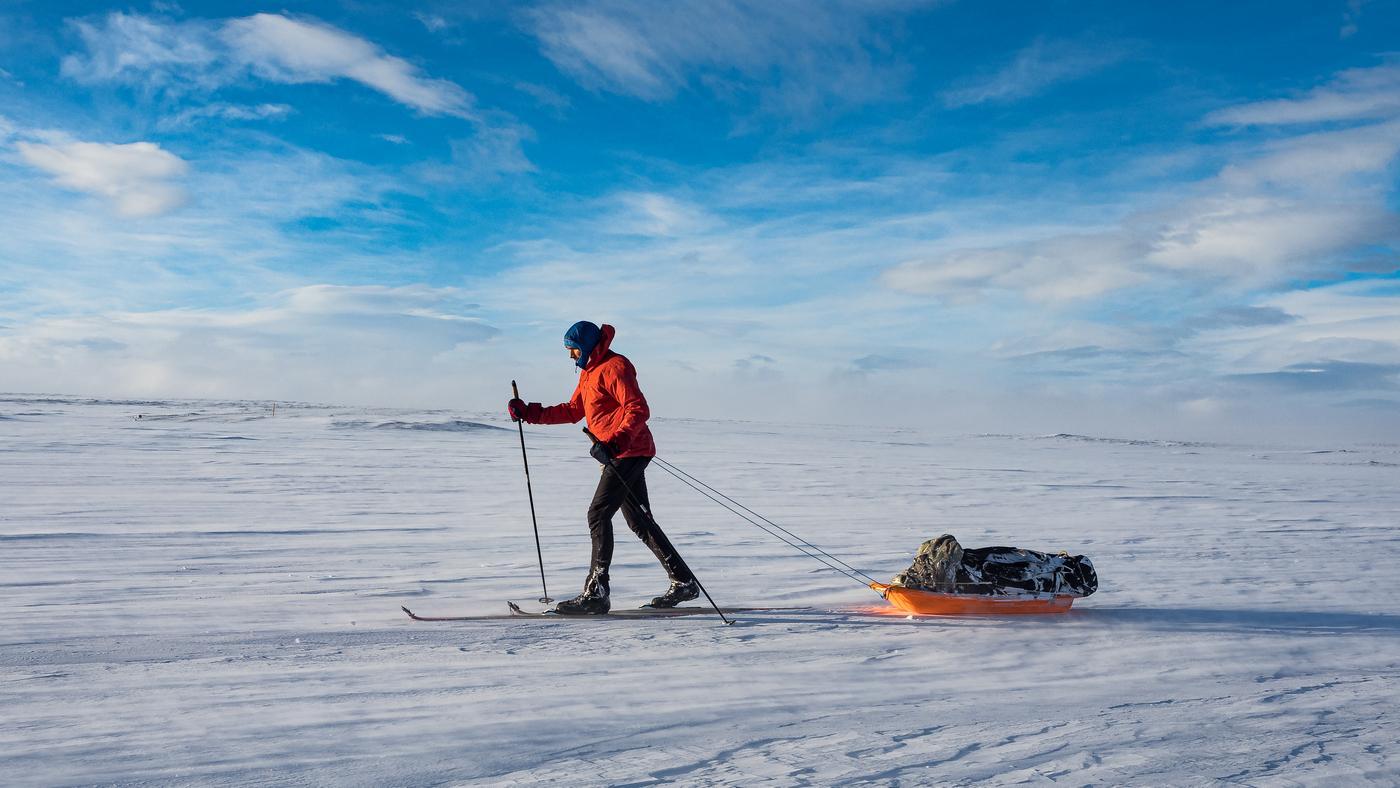 Ubrania i sprzęt na zimową wyprawę: Arktyka i góry wysokie