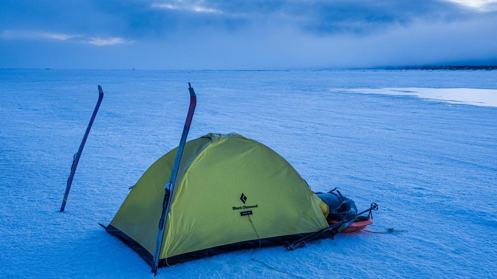 biwakowanie góry rozbijanie namiotu szałas